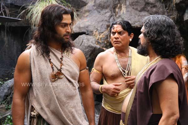 MOVIE REVIEW: URUMI [Malayalam] (6/6)