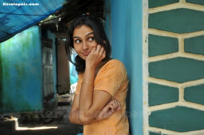 Annayum-Rasoolum-malayalam-movie-Fahad-Fazil-andrea-photos-stills-40